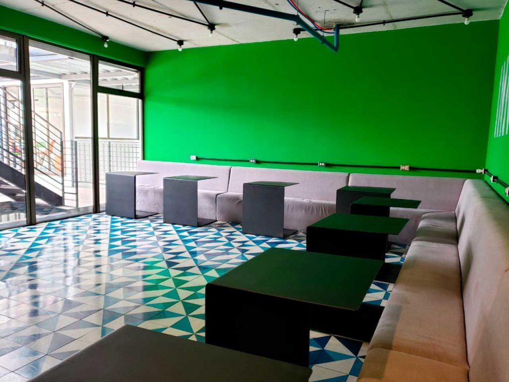 sala-azul-espacio-verde-D15-Dorms